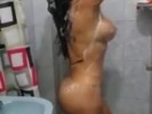 Ailgarh Aunty with Bathing