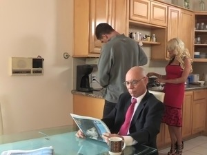 Hot cheating step-mom Helly Mae