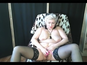 Mature webcam whore AimeeParadise and her bitch orgasms! ..