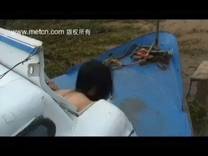 Chinese model poses nude outdoors Porn