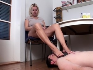 bobby have to suck her toes in the kitchen