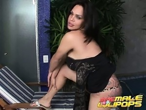 Ultra sexy brunette shemale Penelope Jolie dancing lasciviously for you
