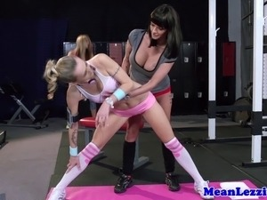 Lez Joslyn James getting rough with Natasha Starr