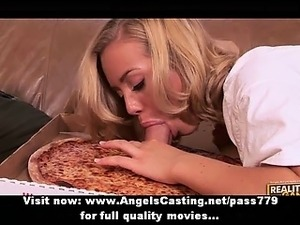 Amateur amazing blonde slut doing blowjob to the pizza man