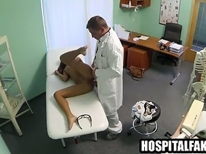 Foxy babe getting licked and fucked by her doctor