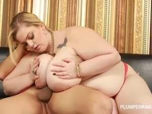 Big Tit Plump Art Dealer Holds and Fucks Huge Latino Cock