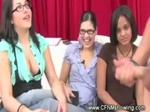 CFNM loving chicks enjoying a jerk off free