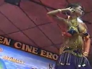 EDIT - she is Moroccan pornstar Dalila  beautiful arab indian dancing...