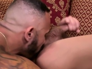 Rimmed bear blows load