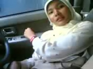 Malay - Played My Mom's Hot Pussy Hole In Her Car free