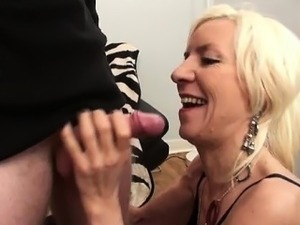 French mature Charlie fucked in stockings