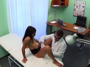 Doctor rubs pussy of huge tits patient in fake hospital