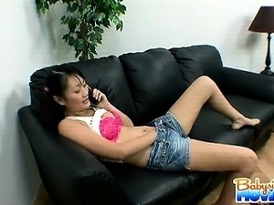 Cute 18 yo babysitter Evelyn Ling playing naked on the