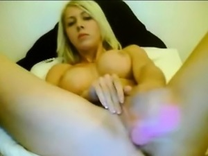 Cute blond masturbates pussy with toys livewebcam