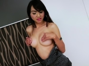 Asian ladyboy Sugar spices up in solo masturbation and cum j