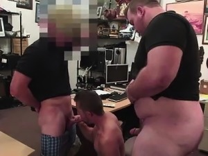 Straight amateur sucks cock in gay threesome for cash