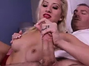 Hot-figured Babe\'s Giving BF The Best Handjob Ever