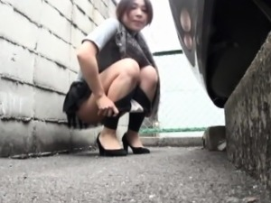 Asian babe defiles hotel