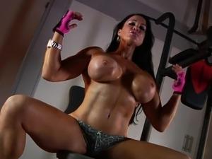 32DDD Samantha Kelly in the Gym