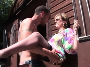 Cheating english mature lady sonia exposes her massive breas