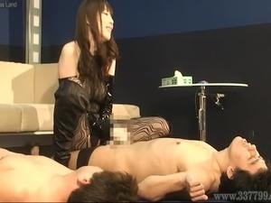 Japanese Femdom Aya Kisaki handjob slave