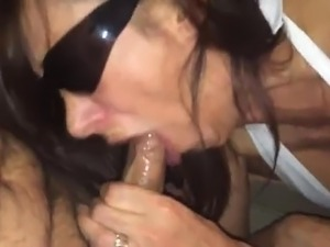 Milf gives amazing Blowjob and Deepthroat
