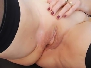 Hot granny get her delicious pussy fingered