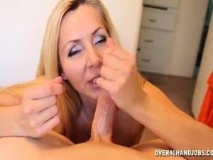 Adorable blonde mom jacks off a big stick and begs for a huge facial