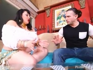 Big Booty Busty Latina Babe Julia Juggs