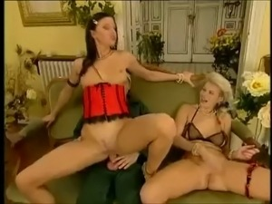 Two girl in lingerie fisting and anal fucked
