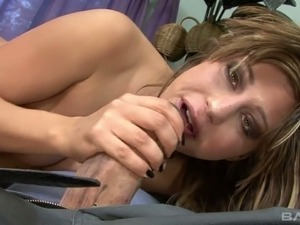 Giant dong penetrates stretched cunt of nasty busty chick Britney Stevens