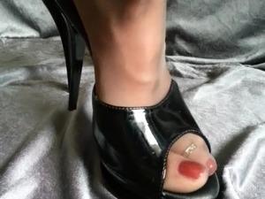 Pantyhose Feet in High heels