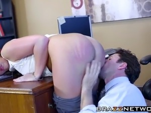 Fantastic bombshell Maddy Oreilly takes it in her big ass