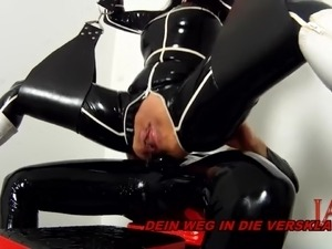 BDSM LATEX ANAL CREAMPIE