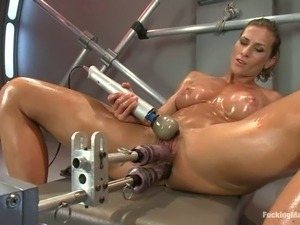Ariel X enjoys being double penetrated by a fucking machine