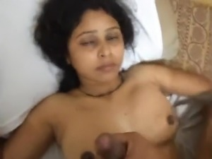 Indian wife asks to Cum in mouth so, Husband will not notice