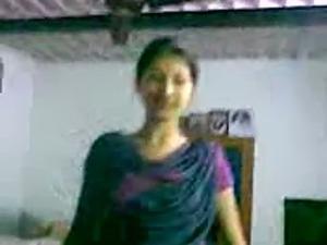 cute indian girl nonnude