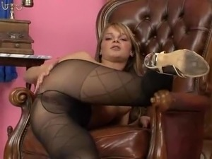 Euro Babes Pissing Their Nylons