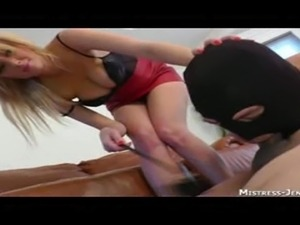 understand young mom deepthroats a black cock right! good