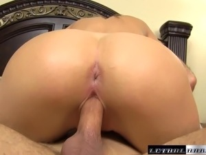 Elena wants to squirt and cum like the girls her stepbrother