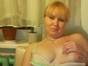 Hot Russian mature mom Tamara play on skype