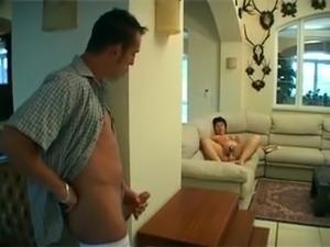 Mature fat girl fingering pussy vibrator