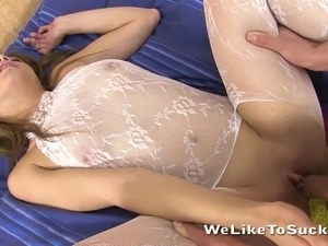 Hot babe gets fucked and takes facial