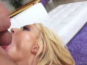 Bootylicious blond mom in sexy latex boots Summer Brielle gets fucked in mish...