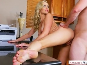 Amazing well packed blonde secretary gets hammered right on the office table