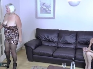 Older mature granny lady hardcore sex action with youngster