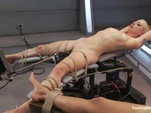 Lorelei Lee gets tied up and banged by a fucking machine