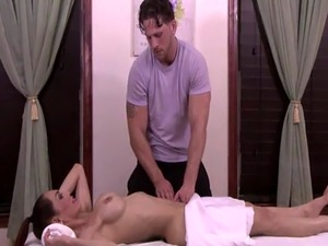 Stunning TS girl Sunday Valentina gets her ass ripped by Roman Todd fa