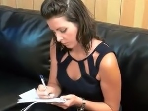STP4 Stepmom Wants Her Pussy Filling !