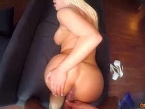 Blondie Fesser bounces her huge ass on cock